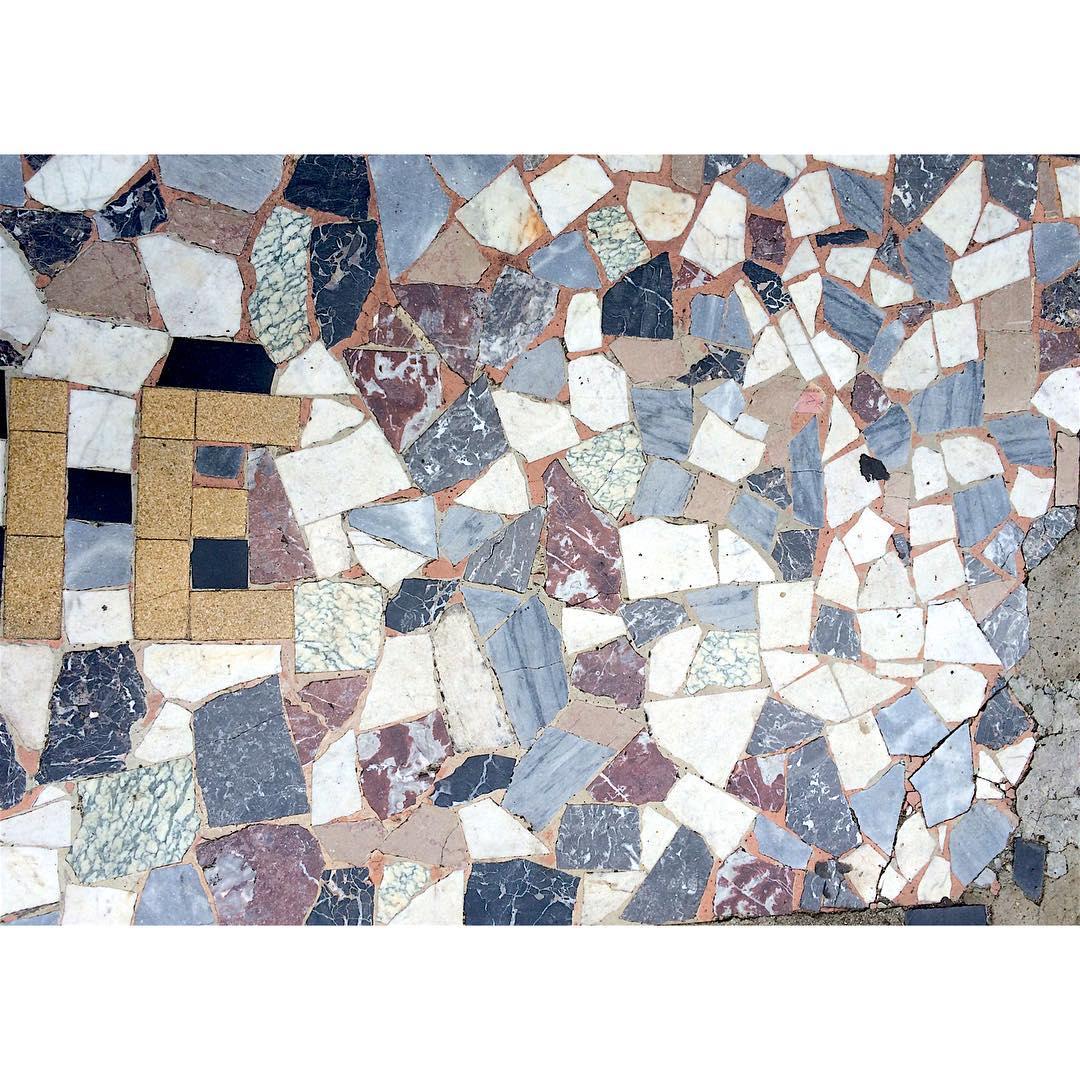 Jaime ces sols anciens en mosaque mosaic