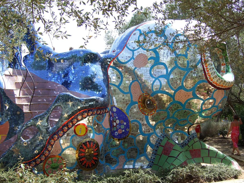 Le jardin de tarot de niki de saint phalle miluccia - Jardin tarots niki de saint phalle ...