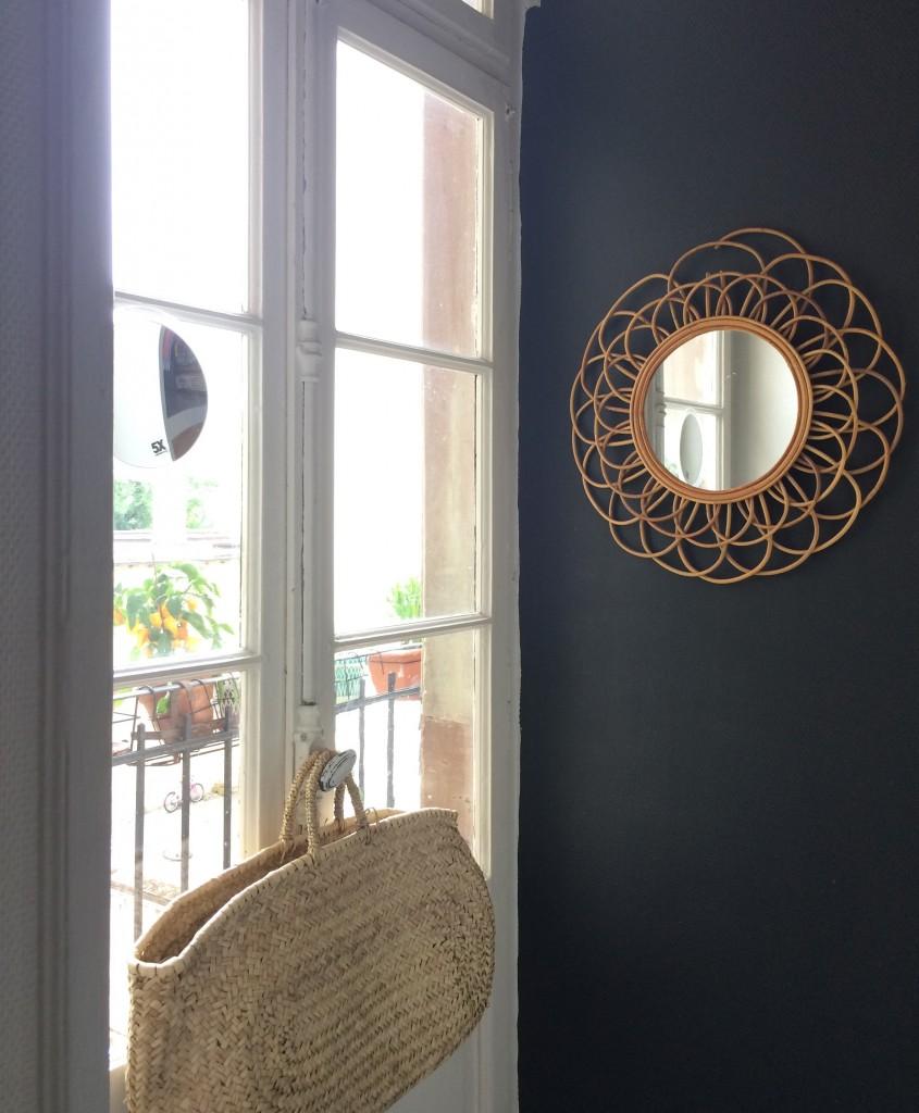 déco-cuisine-décoration-astuces-meuble-clapets-strafor-mur-noir