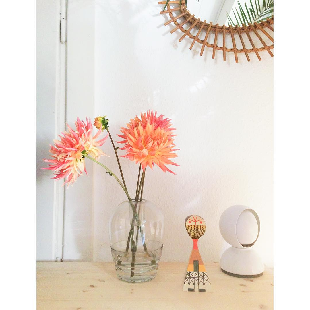 Back home dahlia alexandergirard lampe artemide eclisse vase aplusacooren aplusacooren