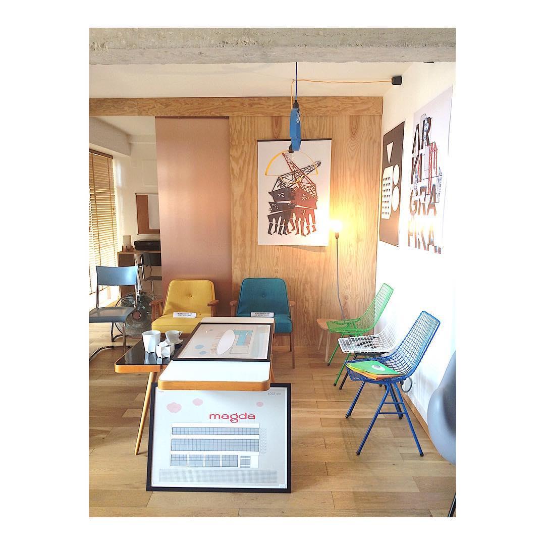 Le showroom du kolektiv slavia vintage  la cit radieusehellip