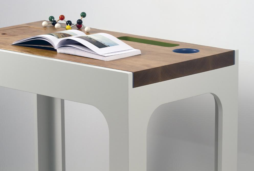 small-contain-desk-3
